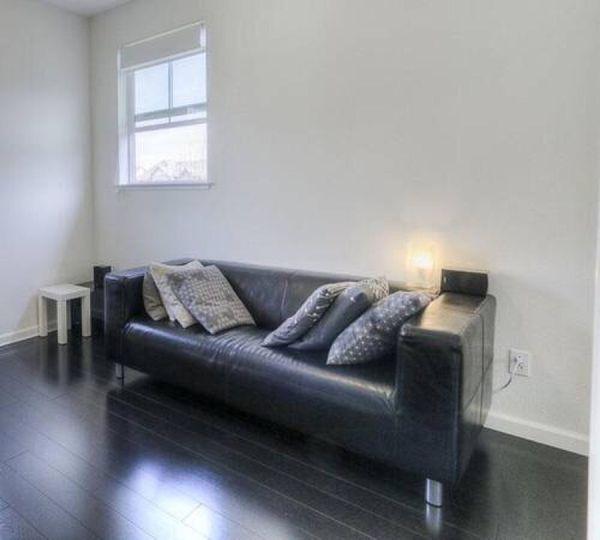 Ikea klippan black genuine leather love seat sofa furniture in san jose ca offerup - Ways of accessorizing love seats ...