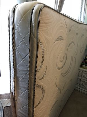 Queen mattress. In very Good condition only one year use