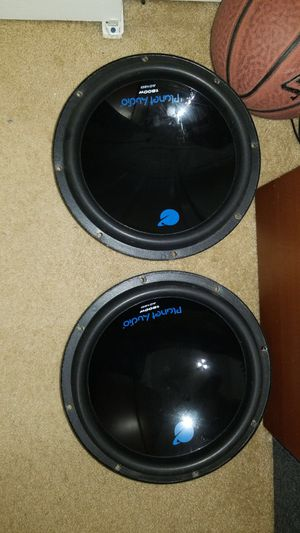2 1800w planet audio subs