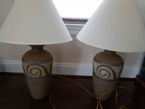 Set of 2 side table lamps in excellent condition