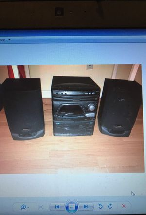 Stereo, Mini-Home, 3 CD Changer, will Deliver!
