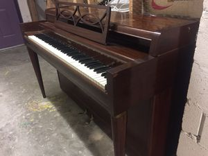 Jordan Kitt Brown Upright Piano