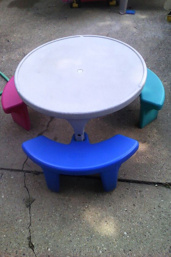 Fisher price picnic table baby kids in greenwood in watchthetrailerfo