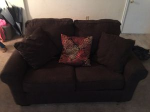SOFA SET ONLY HAD FOR A YEAR !!