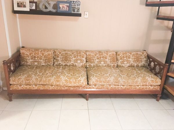 Vintage Couch Furniture In Chicago Il Offerup
