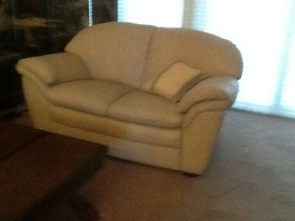 Offerup Las Vegas >> Leather Couch and loveseat (Furniture) in Las Vegas, NV - OfferUp