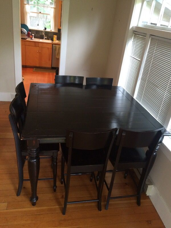 expandable sqauare dining room table with chairs