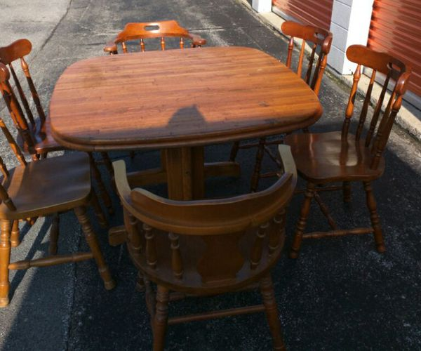 Vintage Table By Walter Of Wabash With Extra Leaf 6 Chairs Furniture In Lansing Il Offerup