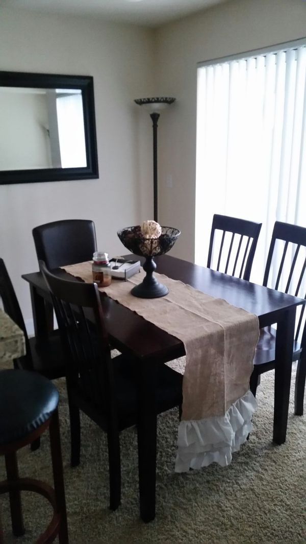 5 piece dining room table furniture in seattle wa offerup for Furniture in tukwila