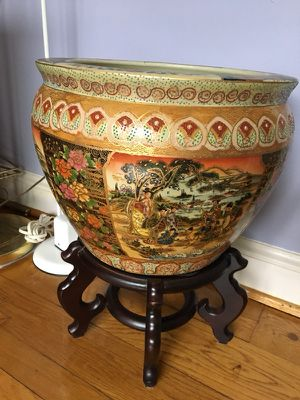 Big Chinese vase with beautiful details