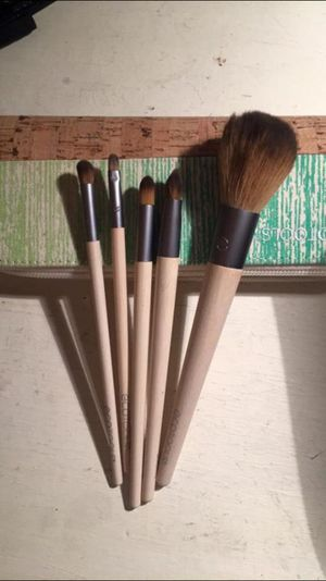 5 Brand New Ecotools Brushes