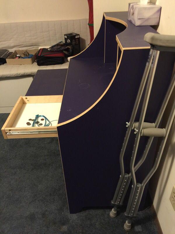 Ikea desk tvs in seattle wa offerup for Ikea tukwila wa