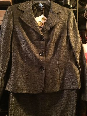 Ladies Designer Evan Picone Suit Size 16
