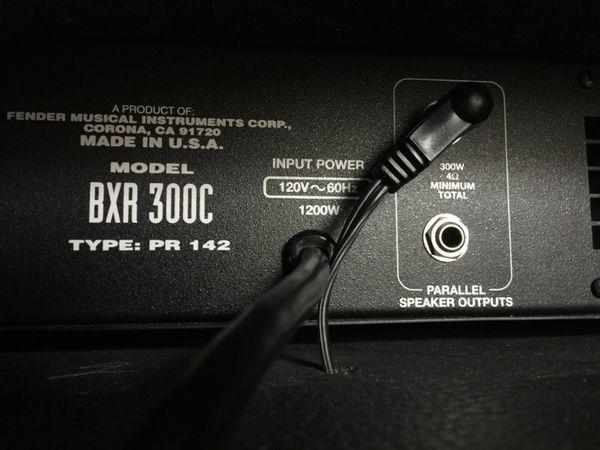 fender bass amp bxr 300c 15 300 watts musical. Black Bedroom Furniture Sets. Home Design Ideas