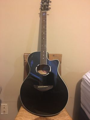 Yamaha Black APX500 Acoustic Electric Guitar with Case