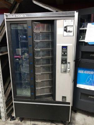 Cold food deli vending machine