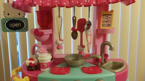 Hello Kitty Kitchen Set with Hello Kitty Shopping Cart and Extra ...