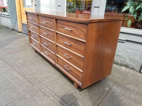 Mid Century Mahogany 9 Drawer Dresser Furniture In Seattle Wa Offerup