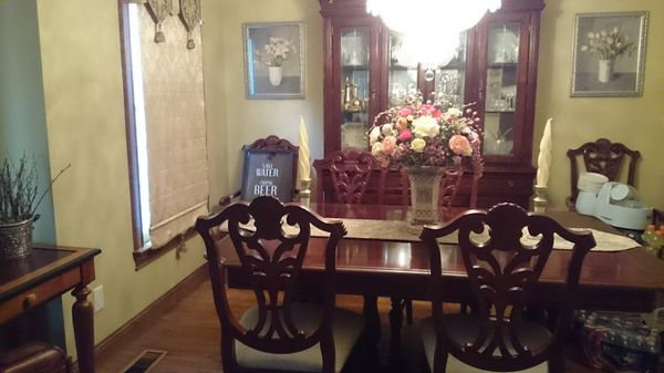 Mahogany Dining Room Table Chairs And Hutch