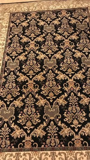 8x10 ft used rug in excellent condition heavy and thick, check out my other items on this app text me for more information gaithersburg Maryland 20877