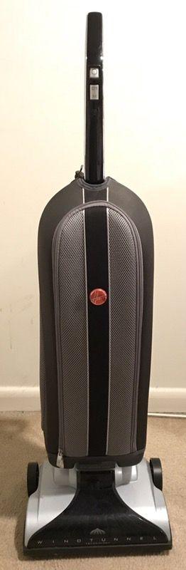 Hoover vacuum cleaner UH3001COM + 7 HEPA Filters - $150