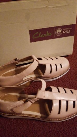 Women's nude leather Clarks size 8