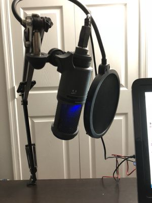 Audio Technica AT2020 USB Studio/Podcsst Mic w/ extras