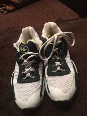Sneakers like new Size 8