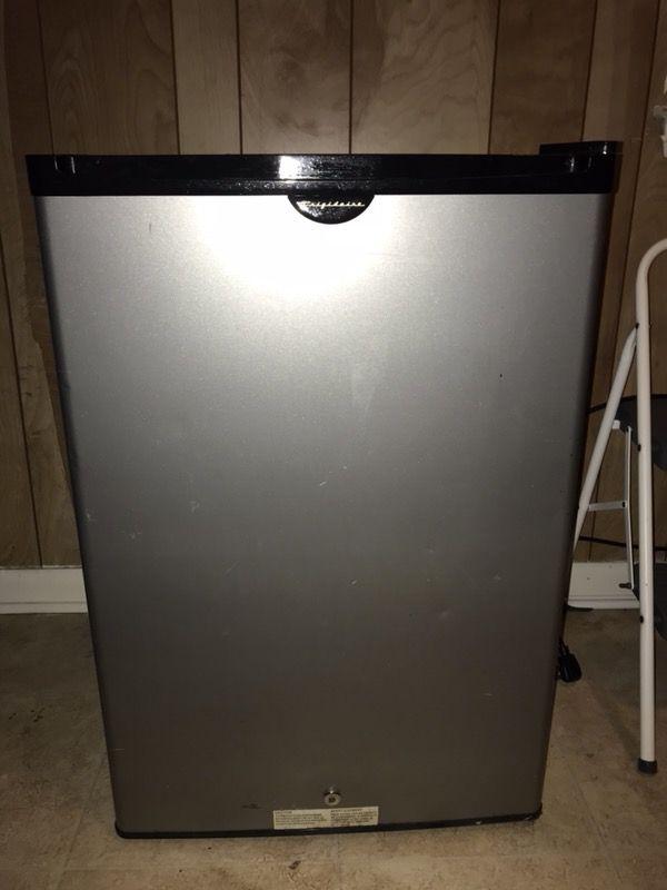 Stainless steel mini fridge Appliances in Lexington KY