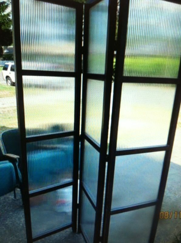 Room divider furniture in federal way wa offerup for Furniture federal way