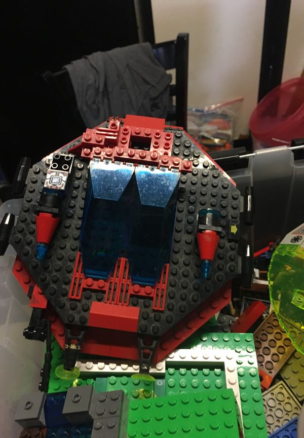 Huge Lego bin with baseplates space galaxy wheels and much more ...