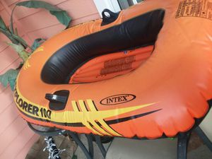 Inflatable boat explorer 100