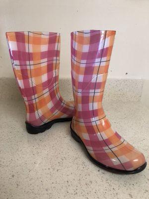 Rain boots women size 6.