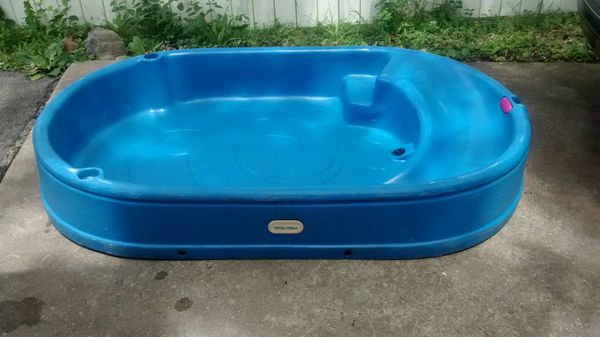 little tikes plastic pool with built in slide cup holders. Black Bedroom Furniture Sets. Home Design Ideas