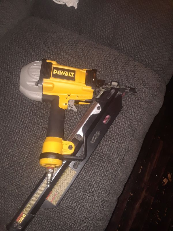 Dewalt clipped head framing nailer (Tools & Machinery) in Cincinnati ...