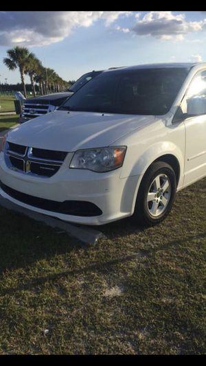 2011 Dodge Grand Caravan mini van 3rd seats
