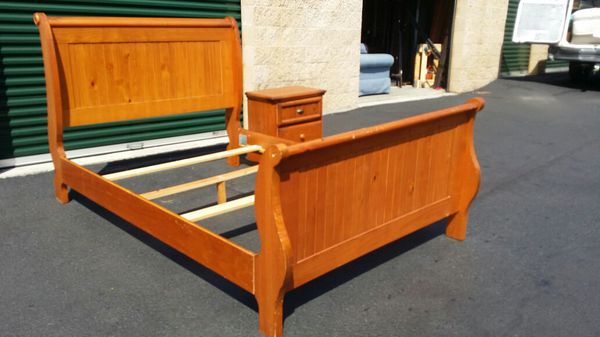 Queen bed and end table Furniture in Columbia SC