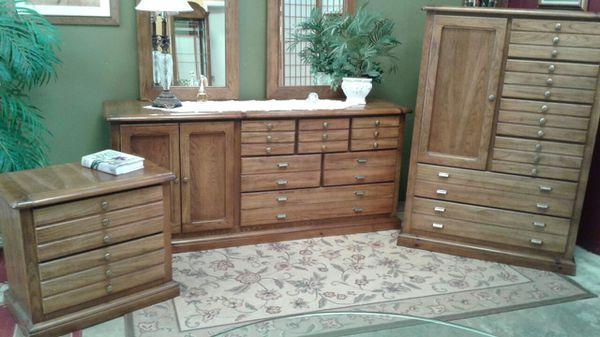 Bassett bedroom set solid wood pecan beautiful furniture
