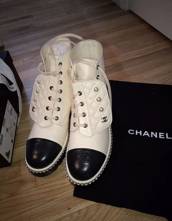 Authentic channel combat boots size 9