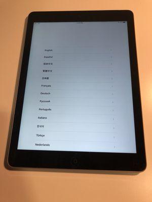 iPad Air 64GB WiFi + Cellular Unlocked A1475