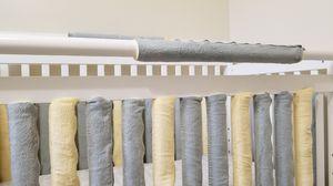 Reversible crib bumper vertical liners