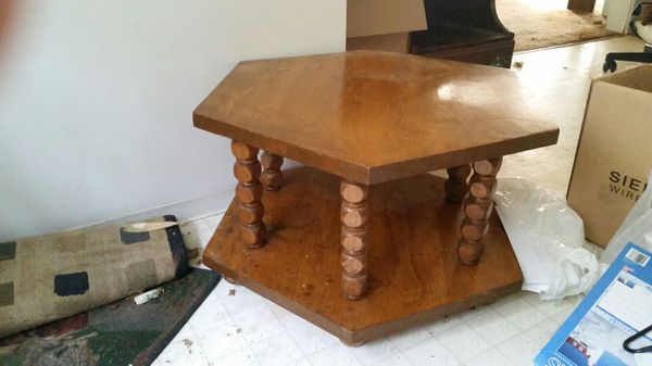Solid wood table furniture in tacoma wa offerup for Bedroom furniture 98409