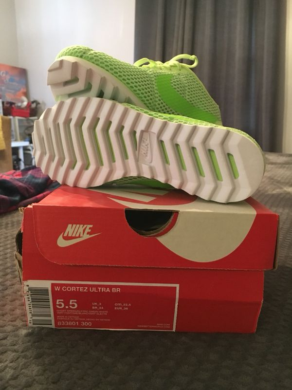 Brand new in box Nike W Cortez Ultra BR ghost green size 5.5 (Clothing &  Shoes) in West Warwick, RI