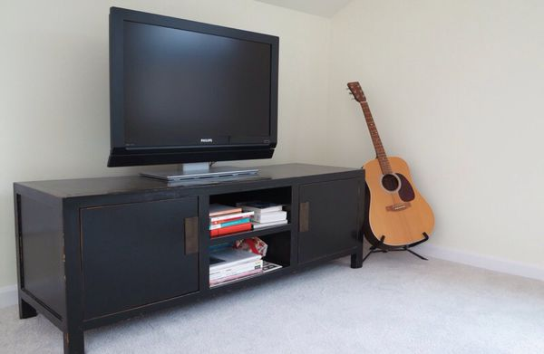 Black Lacquered Natural Wood Tv Stand In Good Used