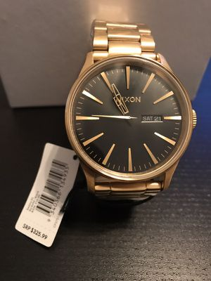 Nixon Sentry Watch 42mm Gold and Black New