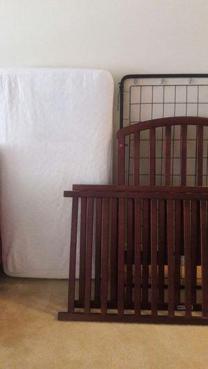 matress and crib