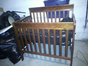 Baby & toddler crib