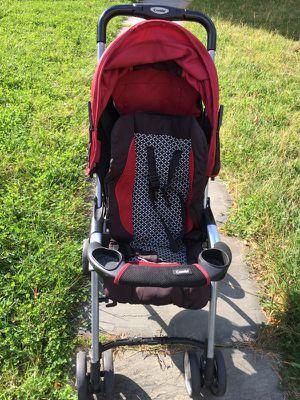 Lightweight combi stroller