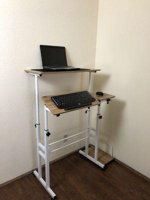 Standing desk height adjustable tilt computer desk presentation