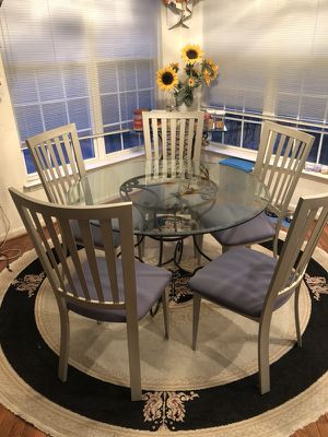 GLASS KITCHEN TABLE SET w/ 5 CHAIRS